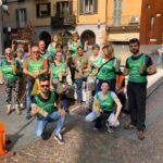 Foto di gruppo Novara Green, raccolta e pulizia dei mozziconi